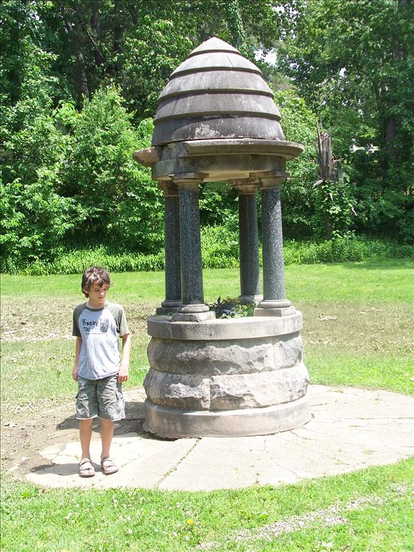 Lucas at the well behind Lincoln's tomb