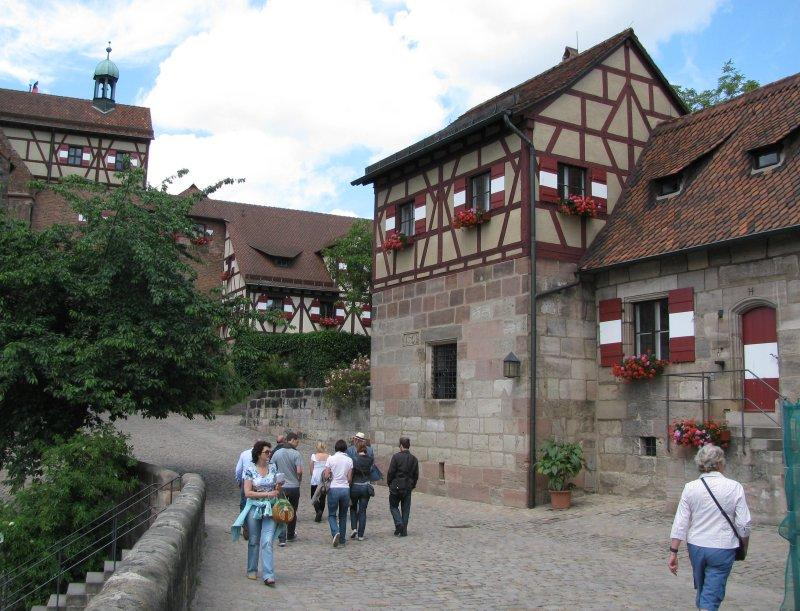 The approach to the castle.
