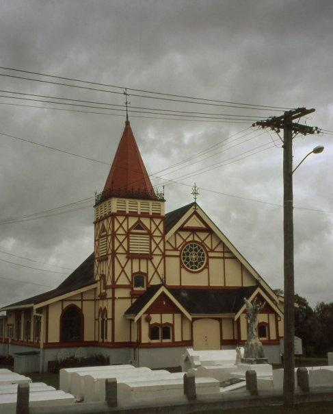 ST FAITH'S ANGLICAN CHURCH, ROTORUA, NI - DEC 2003