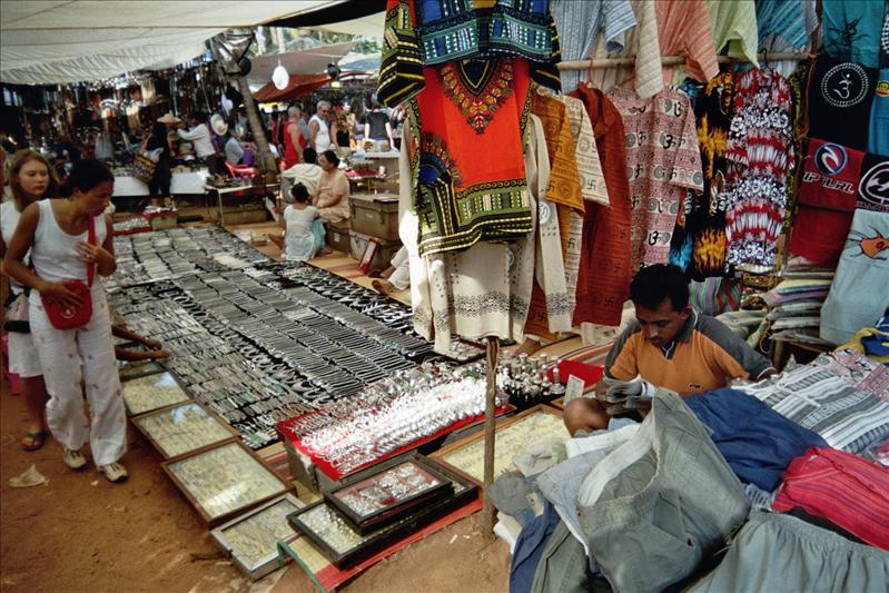 wednesday flea market, anjuna