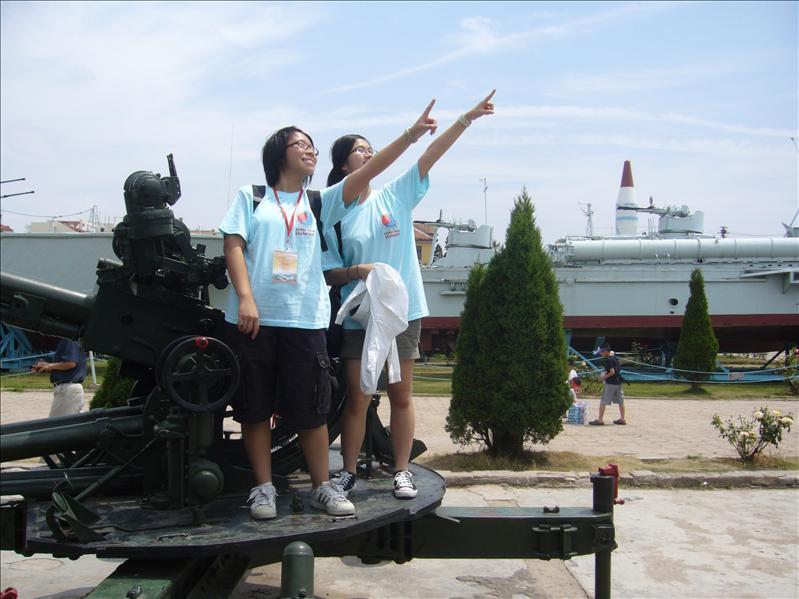 Jessica and Cherry @ 海軍博物館