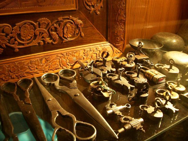 Antiques (Iran)