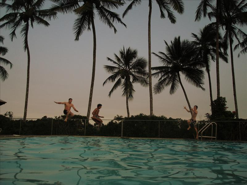 Hilo - Pool jumping