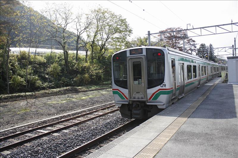 JR仙山線列車在山寺站