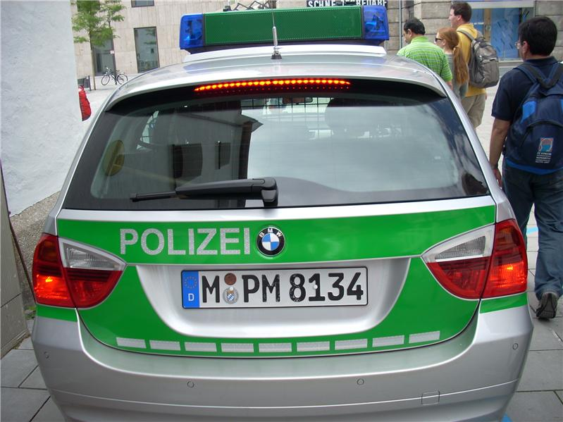 Polizei!
