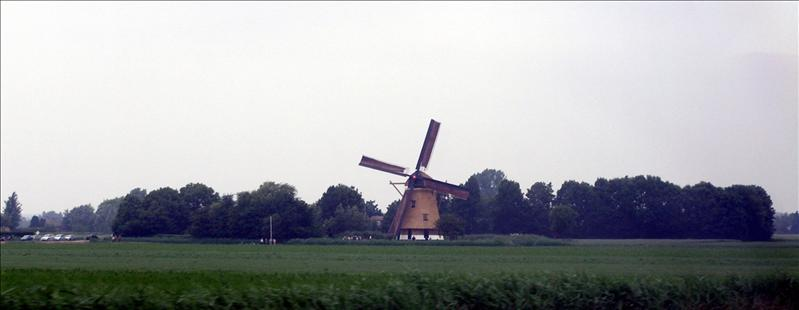 Our first encounter of windmills. Between Brussels