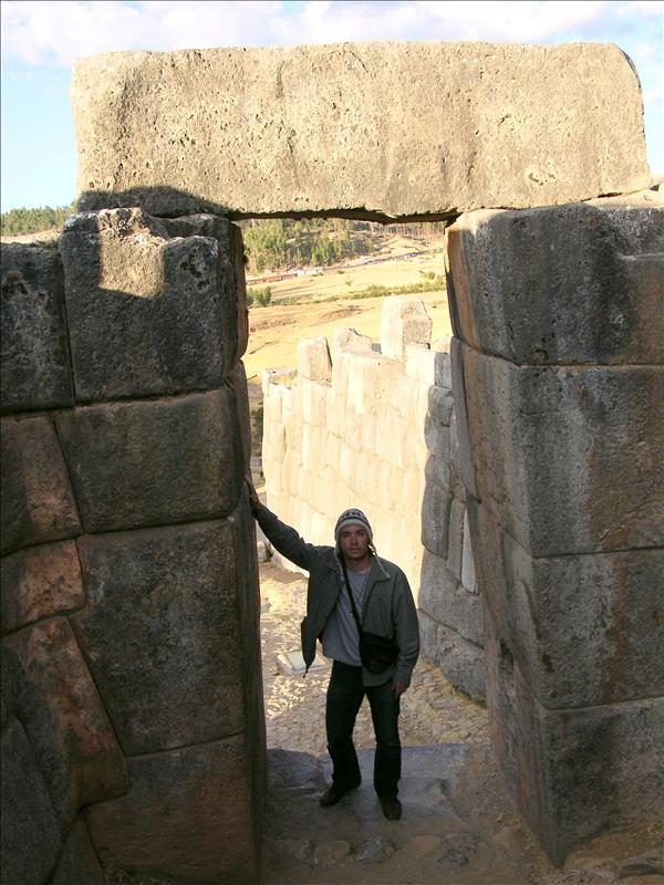 Me at Saqsayhuaman.