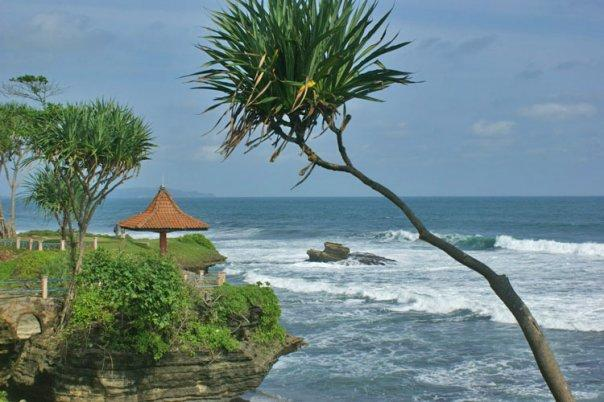 Took the pic of Batu Hiu from the cliff