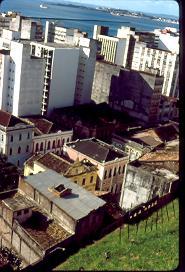 Puerto y parte vieja ciudad