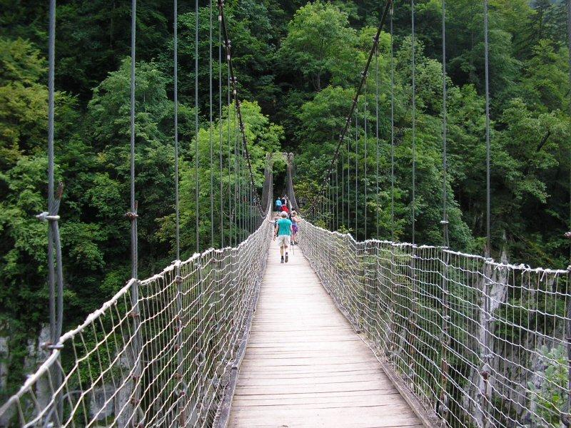 Eyes front on the wobbly suspension bridge over the gorge de Holzarte.