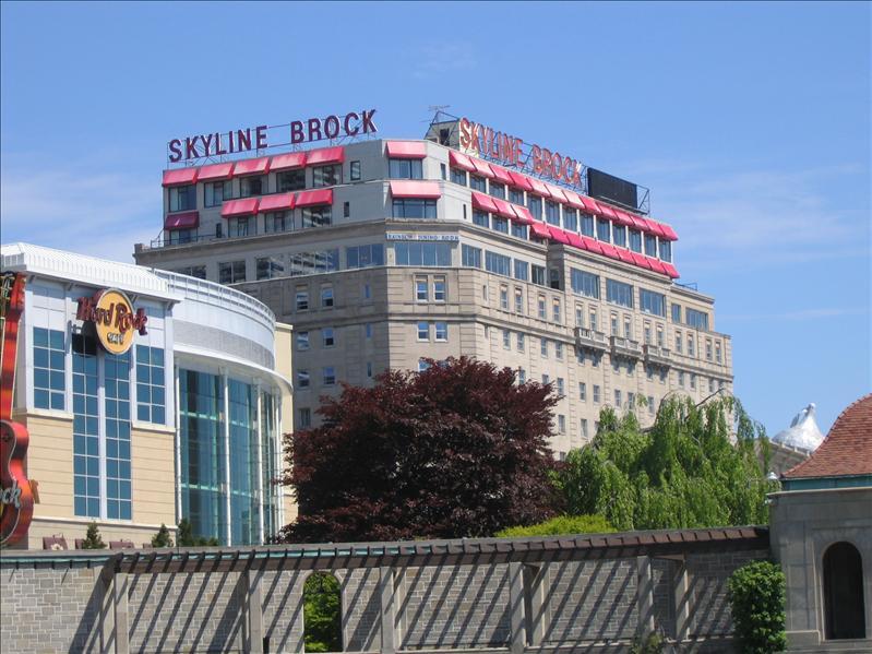 Skyline Brock Hotel 9