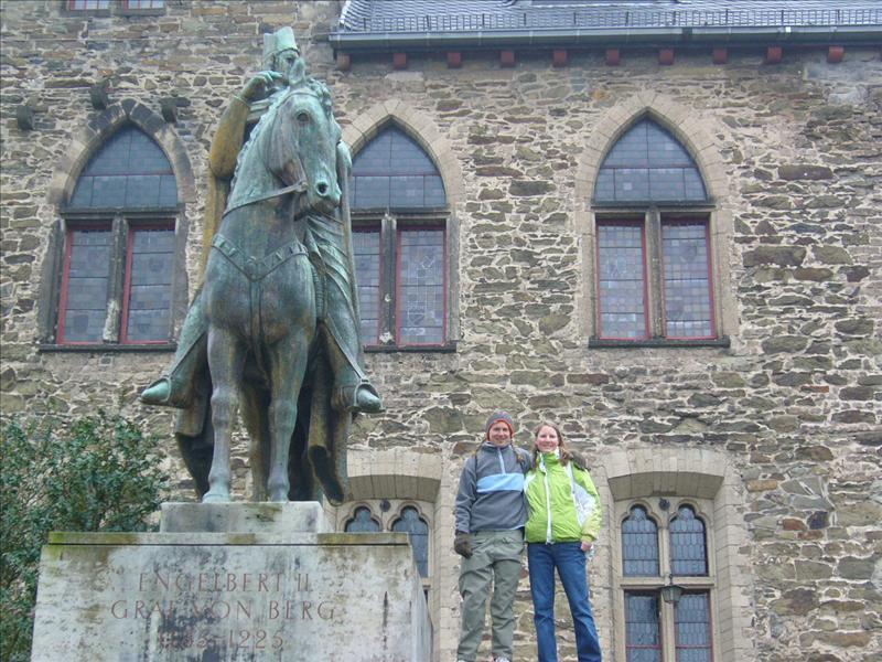 Aline•Simone•Schloss Burg•2008