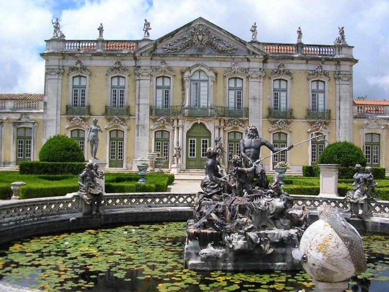 Palacio Real at Quelez....