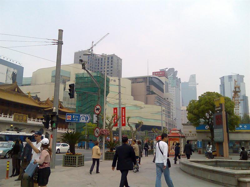 静安寺、南京西路口