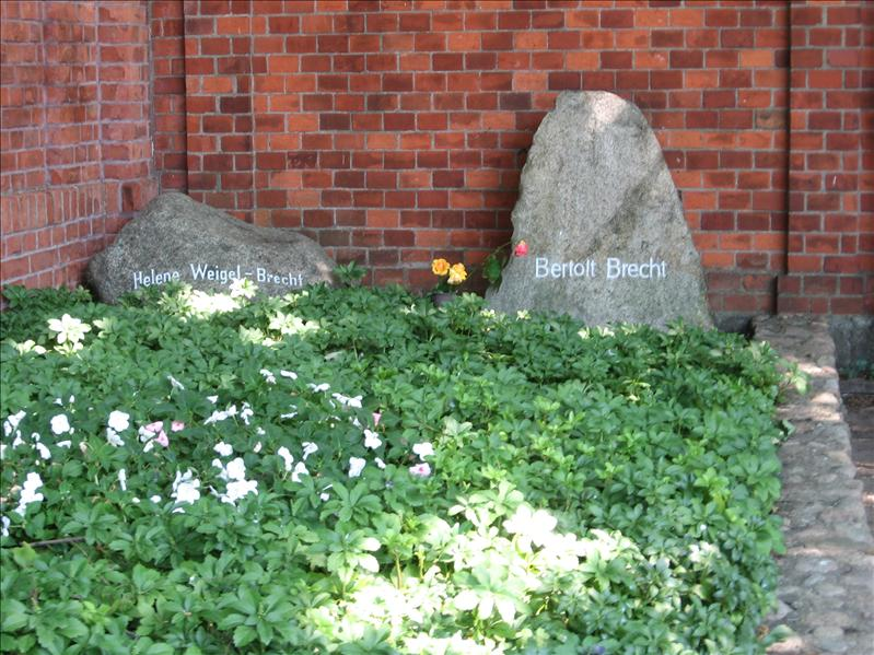Brecht's grave