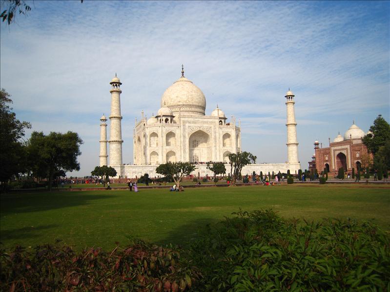 Taj Mahal  (SEE FULL)