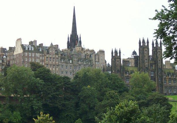 EDINBURGH OLD TOWN FROM PRINCES STREET, SEPT 2008