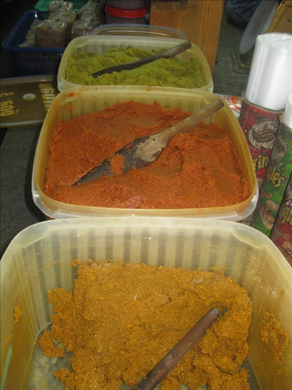 Tricolored chili paste