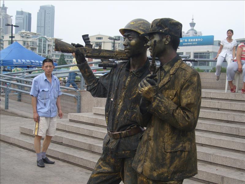 不太真的真人雕像@ 青島奧帆中心