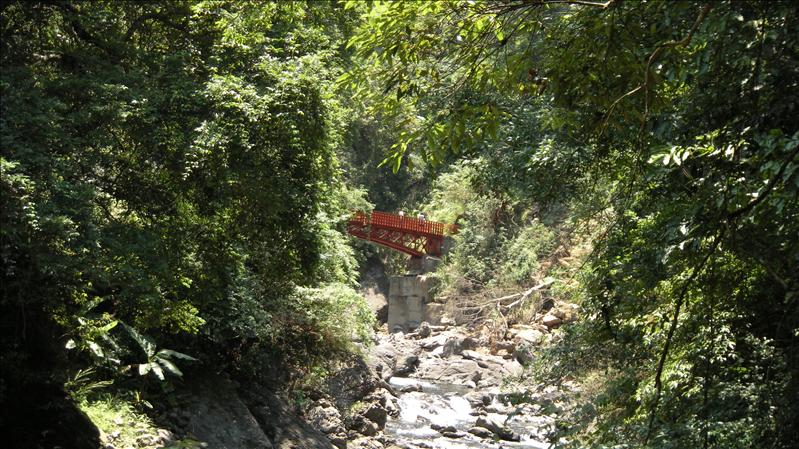 遠眺長虹橋
