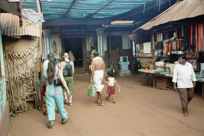 gokarna town temple, entrance not allowed for non-hindu's