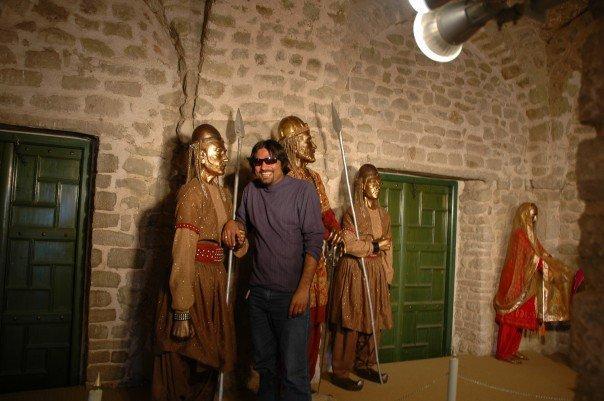 am I seem Like statues :)