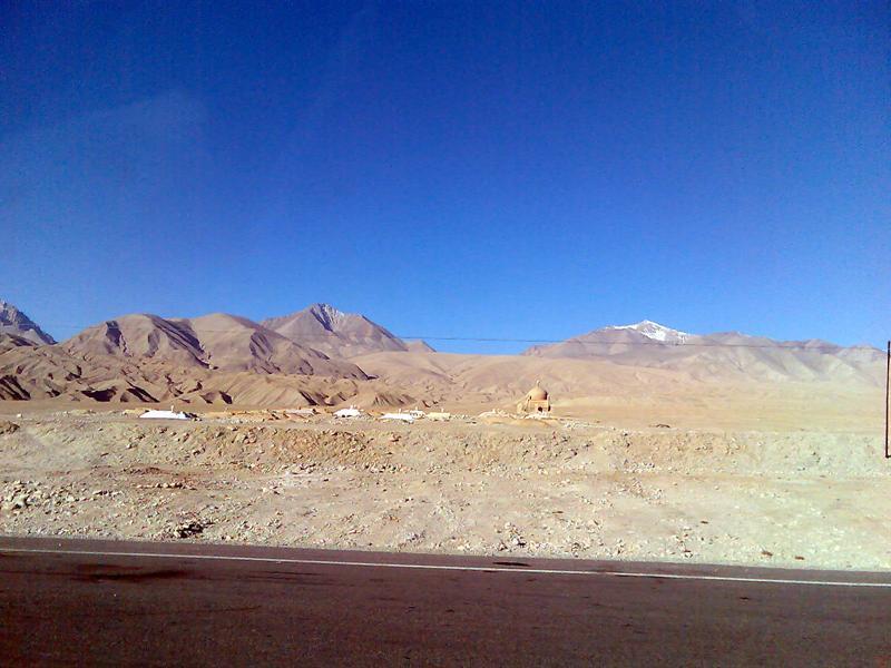 Road, Xinjiang