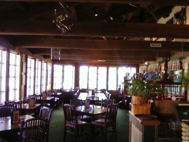 Mimi's has several dining areas