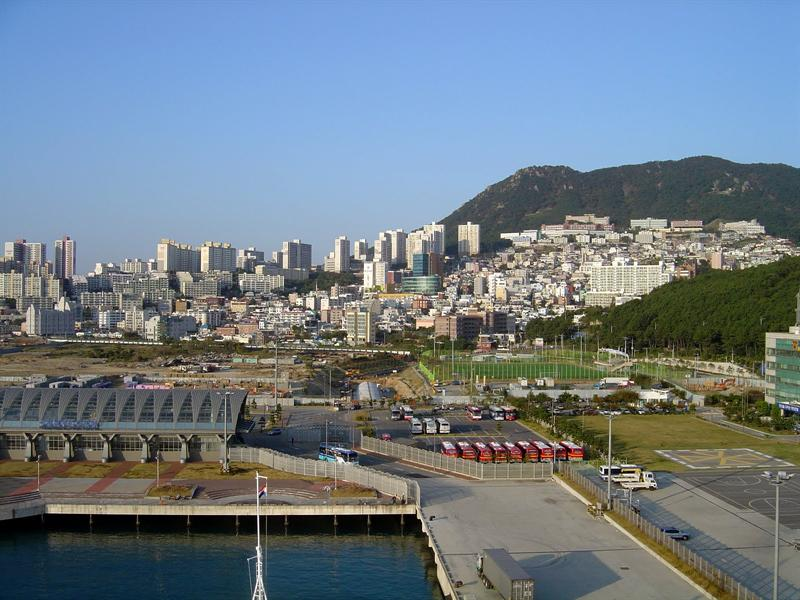 BUSAN (釜 山) of SOTH KOREA (南 韓 )-port ----10-13-09.