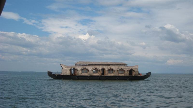 A Houseboat similar to ours