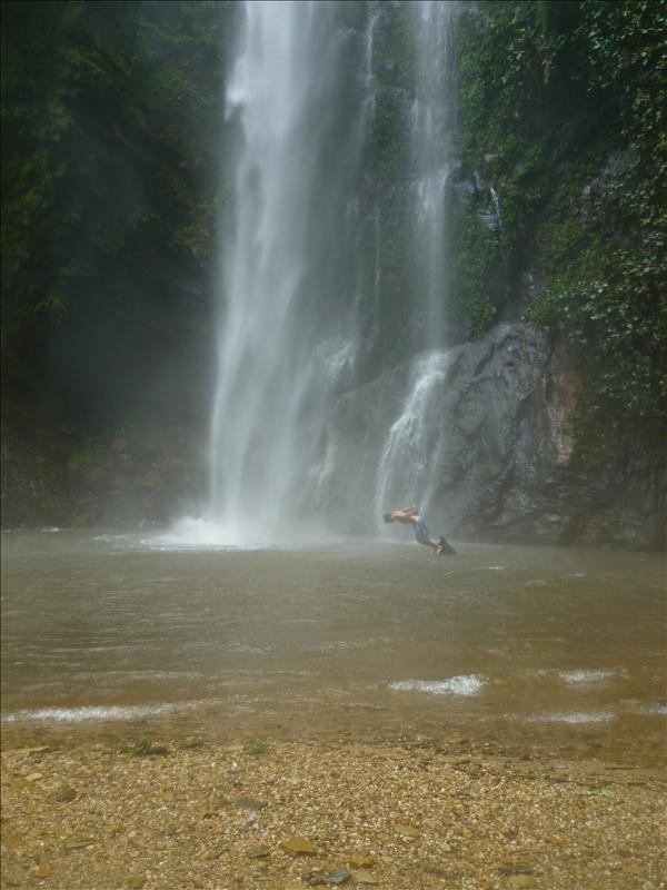 Liati-Wote - Tagbo waterfall - crazy jump no.2
