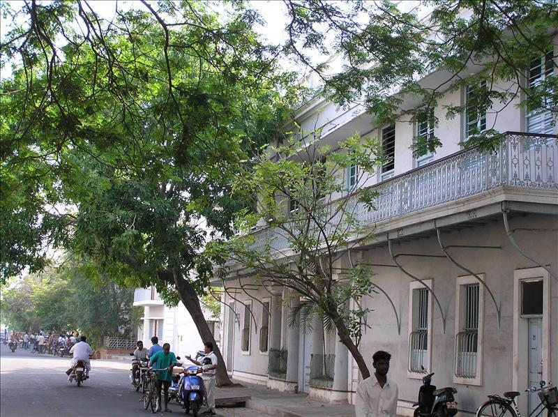pondi street