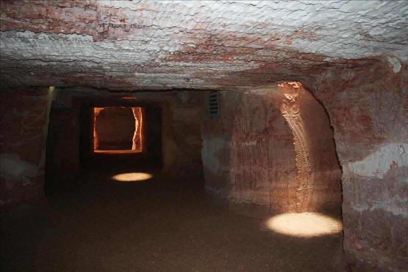 Camping underground in Coober Pedy