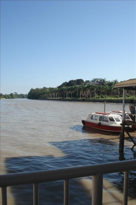 timburong brunie, ferry station