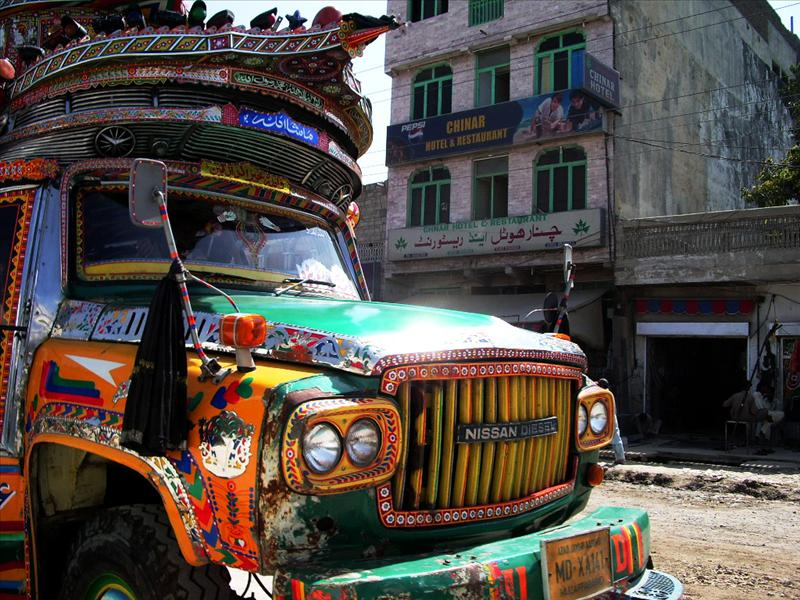 Garish Lorry (Pakistan)