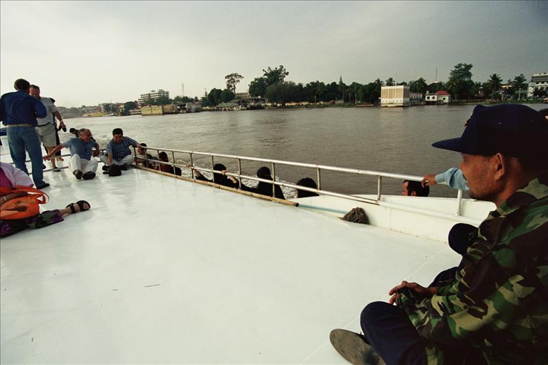 ON THE BOAT TO SIEM REAP