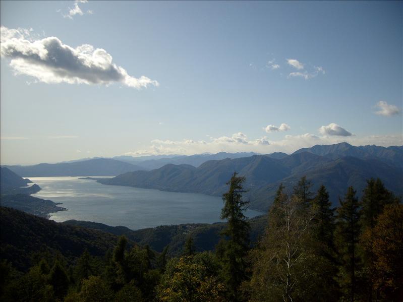 lago Maggiore•vista da Alpe Pradecolo•Lombardia•2009