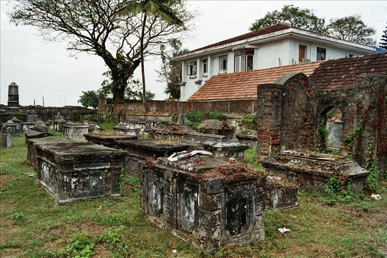 dutch cementery kochin
