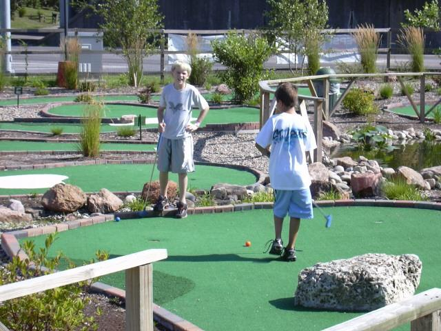 more miniature golf action