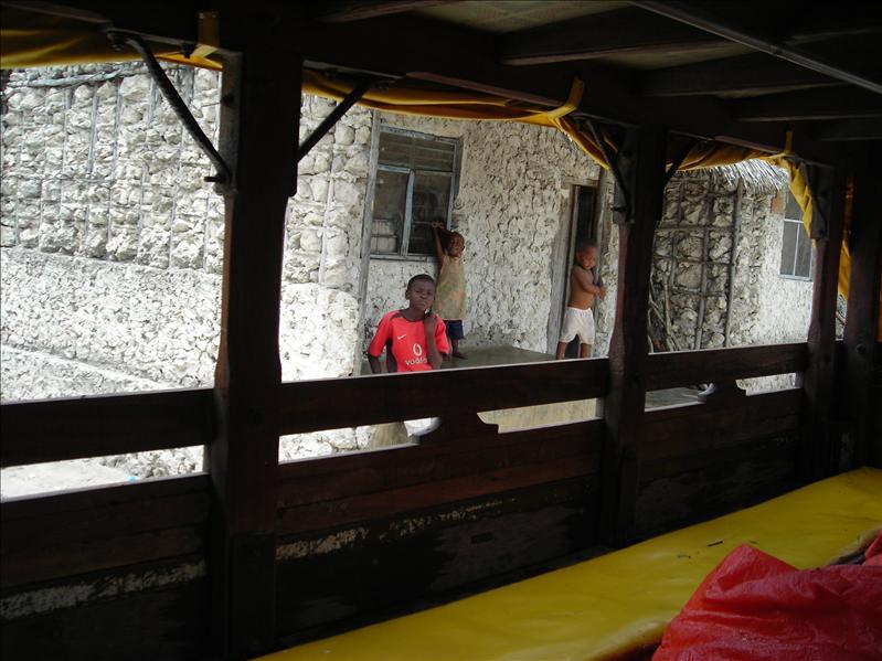 Zanzibar•dala dala