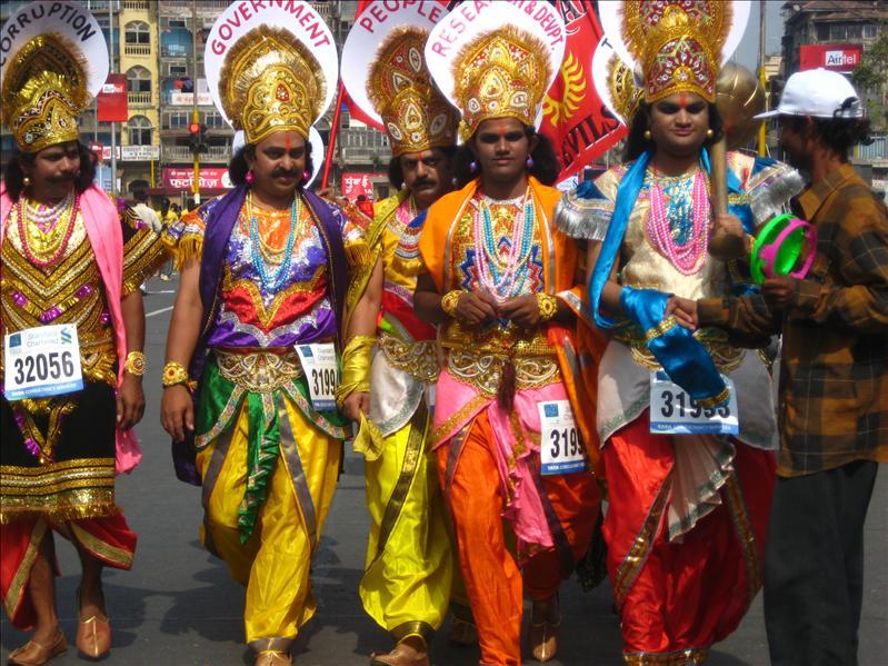 mumbai marathon paraders