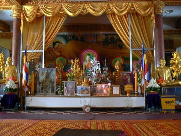 L'autel du temple à l'intérieur. Ca fait quand même très plastique...