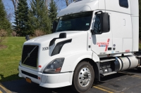 The test truck was a rented 2013 Volvo VNL. Vnomic's test truck is in the background.