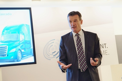 Daimler Trucks chief Wolfgang Bernhard: new electric trucks fan