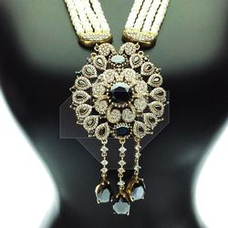 VERY GLAMOROUS BEADED GEMSTONE 925 SILVER NECKLACE