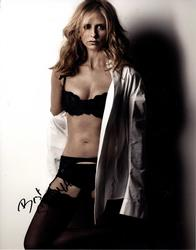 Sarah Michelle Gellar Signed Buffy Sexy Bra 11x14 Photo