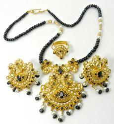 Jewelry: Clearance