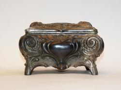 Exquisite European Jewel Box Early XX Century