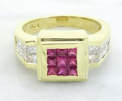 Diamond and Ruby Ring In 18kt Gold