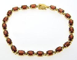 Garnet Line Bracelet in Yellow Gold